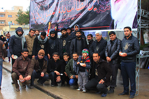 http://ahmad1975.persiangig.com/93/moharam93/ashoura/IMG_2595.jpg