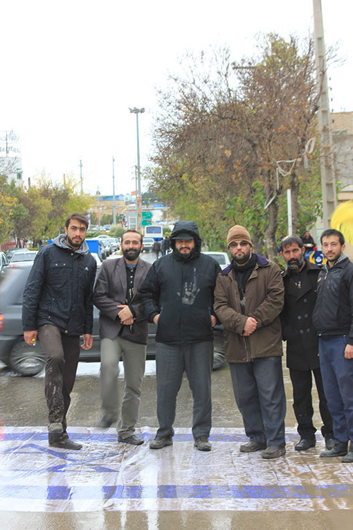 http://ahmad1975.persiangig.com/93/moharam93/ashoura/IMG_2610.jpg